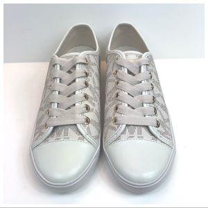 NWOB Michael Kors City Sneakers Vanilla Size 6.5